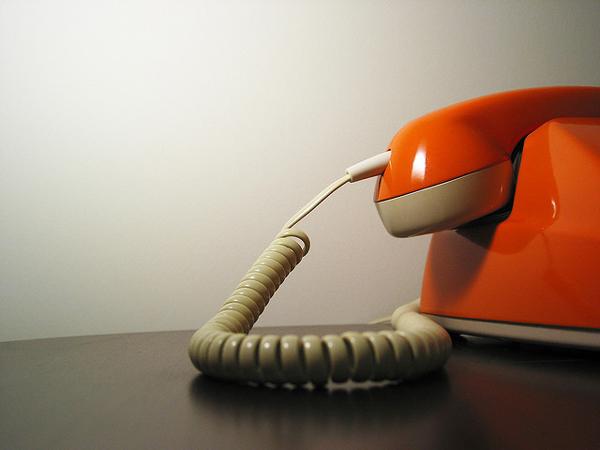 Phone numbers for credit reporting agencies