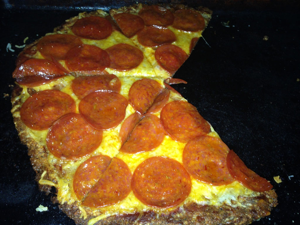 keto pepperoni pizza